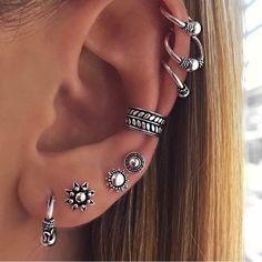 Pretty Ear Piercings, Ear Piercings Chart, Ear Piercings Rook, Piercing Chart, Ear Jewelry, Cute Jewelry, Piercing Tattoo, Body Piercing, Monroe Piercings