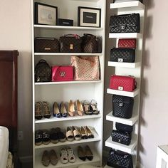 What makes the dressing room perfect? Many people have a house that is big enough to contain an imaginary dressing room. A room devoted. Closet Organisation, Purse Organization, Closet Storage, Organizing Purses, Bedroom Closet Design, Closet Designs, Room Decor Bedroom, Purse Display, Bag Closet