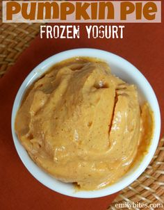 Emily Bites - Weight Watchers Friendly Recipes: Pumpkin Pie Frozen Yogurt.  2pp per half cup!!!