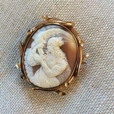Antique Victorian (?) gold cameo Hebe feeding Zeus's eagle