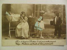 """Cartolina francese anni 1910 colorata """"bambini che giocano al dottore"""""""