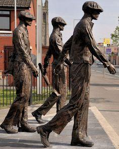 Titanic Yardmen 401 Statues, Newtownard Road, Belfast