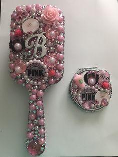 Diy Jewelry Mirror, Mirror Crafts, Diy Mirror, Jewelry Art, Rose Crafts, Diy And Crafts, Arts And Crafts, Cool Gifts, Diy Gifts