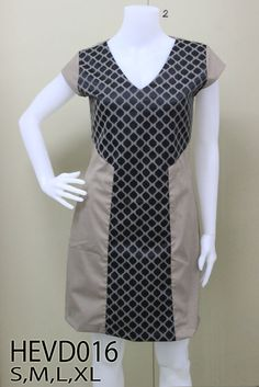 Hi End, Dress Styles, V Neck Dress, Mall, Fashion Dresses, Dresses For Work, Icons, How To Wear, Fashion Show Dresses