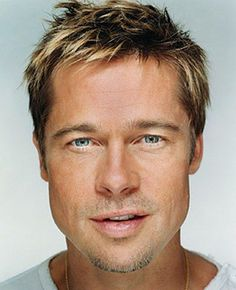 """Brad Pitt """"Up Close & Personal - Celebrity Photography"""" by Martin Schoeller Top Hairstyles For Men, Square Face Hairstyles, Haircuts For Men, Long Hairstyles, Cabelo Do Brad Pitt, Brad Pitt Hair, Brad Pitt Images, Brad Pitt Pictures, Jennifer Aniston"""