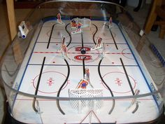 Table Hockey with the magnetic puck. Vintage Games, Vintage Toys, Cool Tables, Hockey Games, Old Games, Table Games, Custom Paint, Childhood Memories, Arcade
