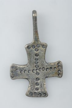 Pendant, cross shaped | Pendant, cross shaped. Silver. Grave find, Björkö, Adelsö, Uppland, Sweden.