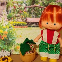 Beautiful Strawberry Shortcake first edition of flat hands with her Garden look, she enjoys a sunny day picking strawberries from her garden, she wears the vintage Berry Sunny Garden outfit from Kenner's Berry Wear series. Includes a basket and a couple of strawberries. Strawberry Shortcake, Sunny Days, Strawberries, Sunnies, Basket, Hands, Couple, Flat, Outfit