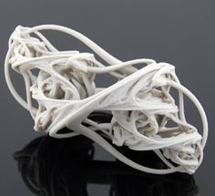 Another example of artists looking at representing DNA, this time in a more smooth and flowing style, its still made from flowing lines though. Plaster Sculpture, Sculptures, Ms Project, Heart Art, Beautiful Patterns, Fractals, Line Art, 3 D, 3d Printing
