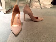 Kelly Ripa's Gianvito Rossi heels. LIVE with Kelly and Michael