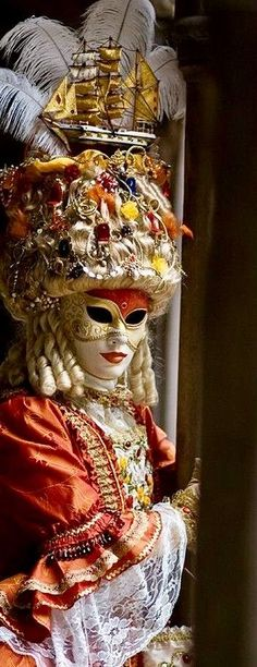 Venice Carnival Costumes, Venetian Carnival Masks, Mardi Gras Costumes, Carnival Of Venice, Venetian Masquerade, Masquerade Ball, Venice Carnivale, Venice Mask, Costume Venitien