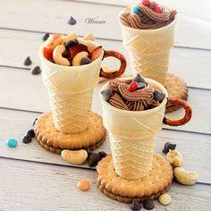Something sweet: edible dessert cups