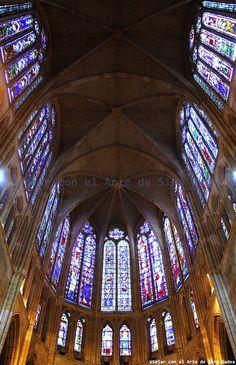 Viajar con el Arte: Las vicisitudes del coro en la catedral de León, la pulchra leonina