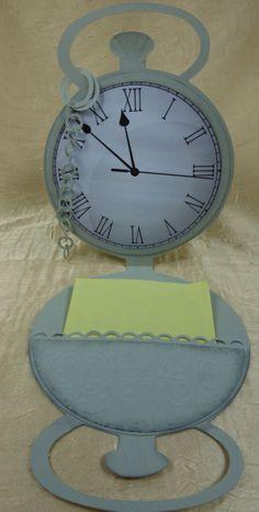 Taschenuhrkarte (innen) Clock, Wall, Home Decor, Tag Watches, Watch, Interior Design, Clocks, Home Interiors, Decoration Home