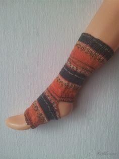 Yoga Socken, tanzen, Pilates, hand gestrickt, gestreift, Regenwald, orange, grau von LiMariann auf Etsy