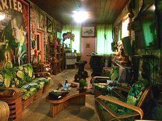 Jungle Cat Carlo of Hollywood Pair They're Grrrrreat! Vintage Tiki, Vintage Hawaiian, Tropical Bedrooms, Tropical Houses, Tiki Hut, Tiki Tiki, Loft Apartment Decorating, Tiki Bar Decor, Tiki Lounge