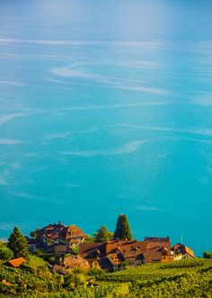 Photographies » Coloria | graphisme, photos, pubs | Vevey Vevey, Portrait, Photo Studio, Images, Photos, Mountains, Landscape, Nature, Travel