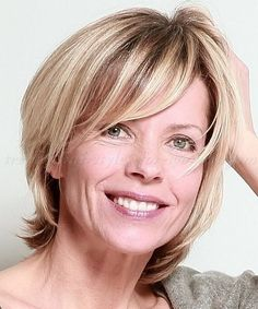 layered haircut for women over 50..