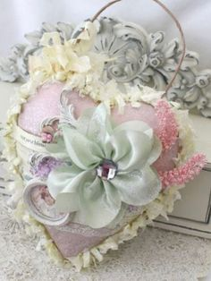 I Love Heart, Happy Heart, Fabric Hearts, Fabric Flowers, Deco Originale, Shabby Chic Crafts, Heart Crafts, Ribbon Work, Pretty Pastel