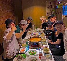 Overlays Cute, Kids Fans, Exo Ot12, Aesthetic Indie, Exo Members, Indie Kids, Jackson Wang, Boyfriend Material, Chanyeol