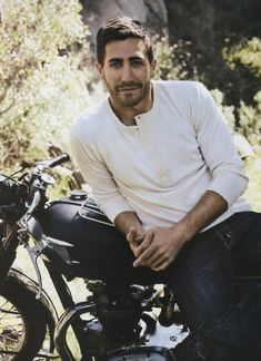 Jake Gyllenhaal (Men's Health, 2011)