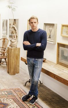 JW Anderson and his creative showroom choices Jonathan Williams, Jupiter In Libra, J W Anderson, Contemporary Fashion, Dna, Normcore, Suits, Chic, Creative