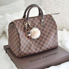 Fashion Designers Louis Vuitton Outlet, Let The Fashion Dream With LV Handbags At A Discount! New Ideas For This Summer Inspire You, Time To Shop For Gifts, Louis Vuitton Bag Is Always The Best Choice, Get The Style You Love From Here. New Louis Vuitton Handbags, Sac Speedy Louis Vuitton, Louis Vuitton Designer, Hermes Handbags, Burberry Handbags, Fashion Handbags, Purses And Handbags, Fashion Bags, Louis Vuitton Monogram