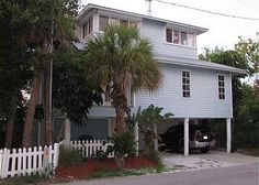 This newly renovated 3 Bedroom/2.5 bath home with an office can sleep up to 7 people and is located only steps away from the Beaches of the Gulf of Mexico. Stunning kitchen features accented granite c...