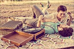 Sesja narzeczeńska piknik