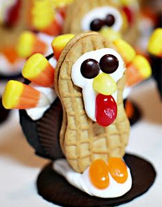 Darling Thanksgiving Food Ideas- fun to make with your kids or use to decorate your table!