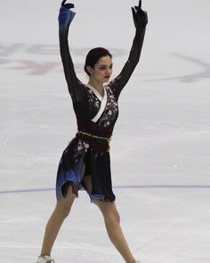 Hannah Pixie Snowdon, Memoirs Of A Geisha, Medvedeva, Pose Reference, Champion, Ballet Skirt, Poses, Skirts, Fashion