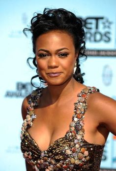 26 Awesome Tatyana Ali's Hairstyles - That Will Inspire You Classic Updo Hairstyles, Loose Hairstyles, Celebrity Hairstyles, Straight Hairstyles, Medium Layered Hair, Medium Curly, Short Curly Hair, Curly Hair Styles, Mandy Moore Hair