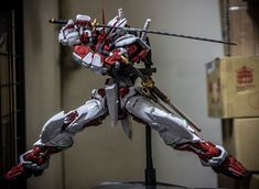poses Astray Red Frame, Blood Orphans, Gundam Iron Blooded Orphans, Gundam Astray, Gundam Art, How To Pose, Mobile Suit, Geek, Poses