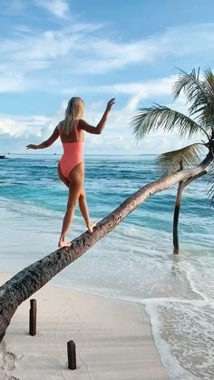 Maldives Beach, Maldives Honeymoon, Best Honeymoon Destinations, Maldives Travel, Maldives Resort, Maldives Islands, Travel Destinations, Bucket List Destinations, Honeymoon Photography