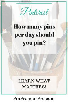How many pins per day should you pin? Business Profile, Business Tips, Online Business, Selling On Pinterest, Pinterest Pin, Pinterest For Business, Pinterest Marketing, Media Marketing, Marketing Strategies