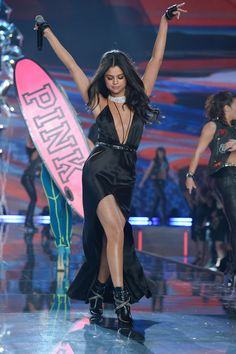 Selena Gomez performing at 2015 Victoria Secrets Show.
