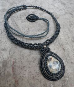 Chalcedony & 925 Silver beads - Macrame necklace - stone size approx. 3.1/2.3cm