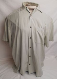 JOS. A. BANK Men's XL Green 100% Silk Button-Front Short Sleeve Shirt