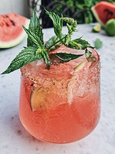 Summer Cocktails, Cocktail Drinks, Alcoholic Drinks, Beverages, Bartender Drinks, Drinks Alcohol, Fruit Drinks, Gin Und Tonic, Watermelon Cocktail