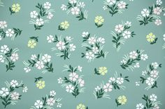1940s Floral Vintage Wallpaper from Hannah's Treasures