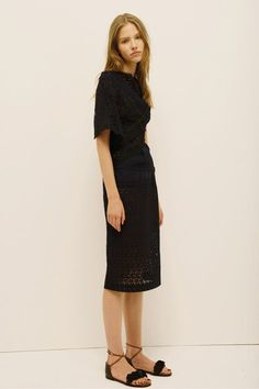 See the complete Nina Ricci Resort 2014 collection.