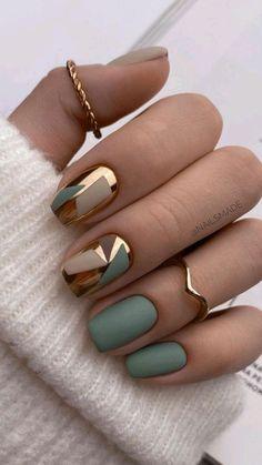 Chic Nails, Stylish Nails, Trendy Nails, Chic Nail Art, Classy Nails, Art Deco Nails, Best Acrylic Nails, Matte Nails, Matte Green Nails