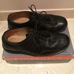 Men's Hush Puppies Leather Black Shoes Worn a couple times before my hubby realized they were too small for him. He waited too long and couldn't return them, SO I'm selling them :)! Genuine sheepskin lining. They look completely new to me, except for a little bit of wear on the soles. Hush Puppies Shoes