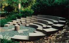 Interesting tiered outdoor space, good for outdoor lectures or speeches - Google 'Keresés'