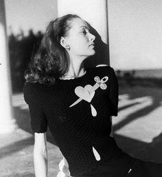 Photo by Nina Leen, 1940s. Too bad you can't get tops like this any more - the 30s and 40s had such wonderful novelty clothing!