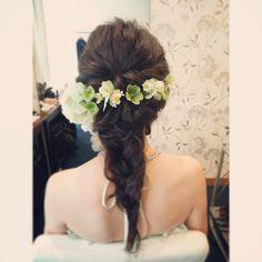 #ヘアアレンジ#ヘアメイク#ヘアスタイル#ヘアセット#お色直し#カラードレス#生花#お花#結婚式#bridal #wedding #weddinghair #hairarrange #花嫁#編み込み#トリートドレッシング#ブライダルヘア