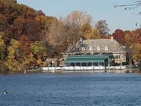 Clove Lake Park boat house and restaurant