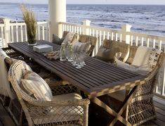 Chic and Breezy Coastal Design | Beautifully Seaside