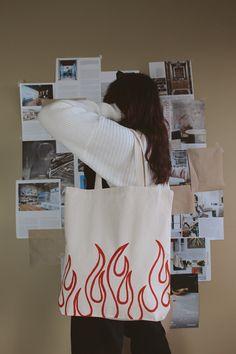 Summer Tote Bags, Diy Tote Bag, Tote Bags Handmade, Cute Tote Bags, Printed Tote Bags, Canvas Tote Bags, Painted Canvas Bags, Tods Bag, Printable Designs