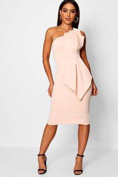 Simple Dress Detailed Dress Unique E Shoulder Pleated Detail Midi Dress Simple Dresses, Elegant Dresses, Casual Dresses, Maxi Dresses, Long Dresses, Formal Dresses, Wedding Dresses, Boohoo Dresses, Fashion Dresses